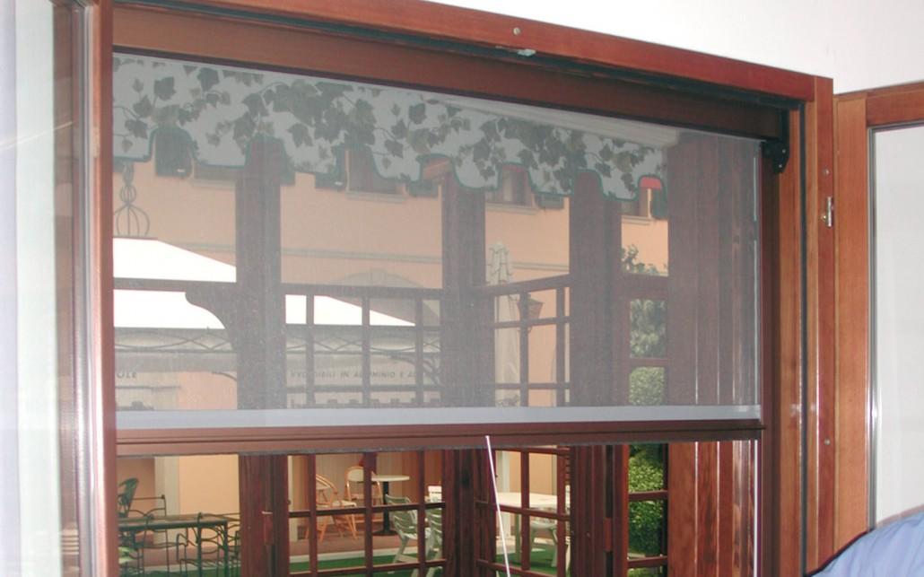 Vendita montaggio zanzariere albinea digitende reggio - Zanzariere per porte finestre prezzi ...